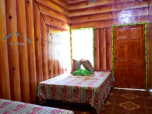Cabaña de madera para un descanso en la montaña