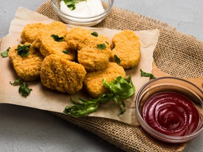 Nuggets de pollo con papas