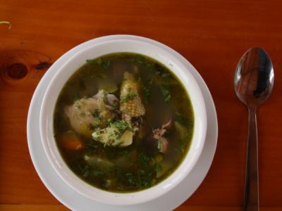 Sopa de pollo de El Salvador